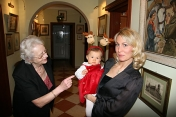 The granddaughter Nina with her mother and great-grandmother, Christmas Eve of 2006